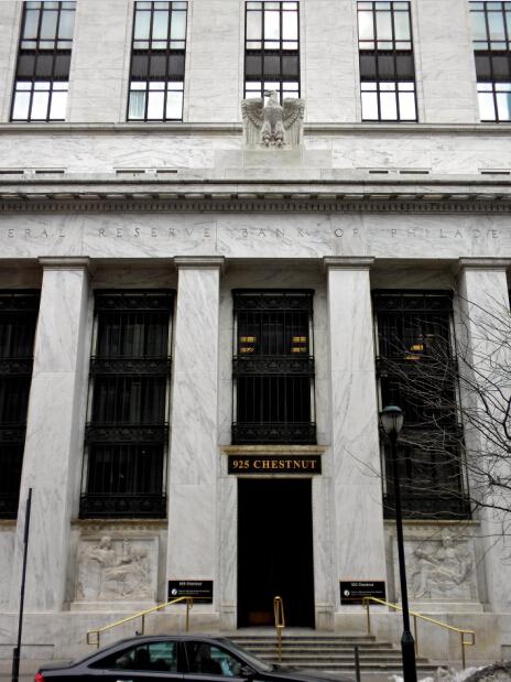 自创立伊始,12家联邦储备银行即在其各自辖区的经济中发挥着不可或缺的作用。图为费城联邦储备银行大楼-当代金融家